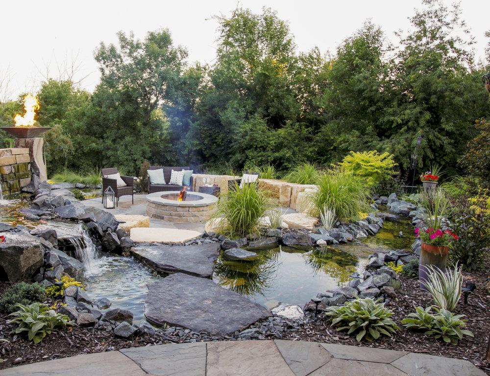 Moms Design Build - Landscape Architecture Water Feature