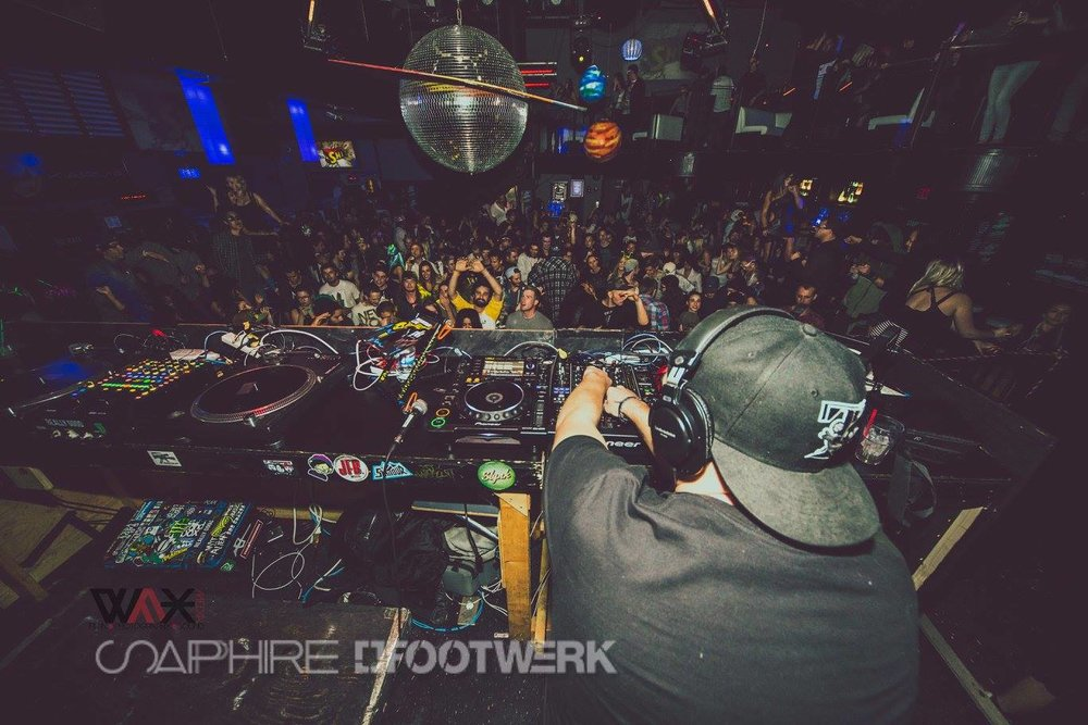 big crowd.jpg