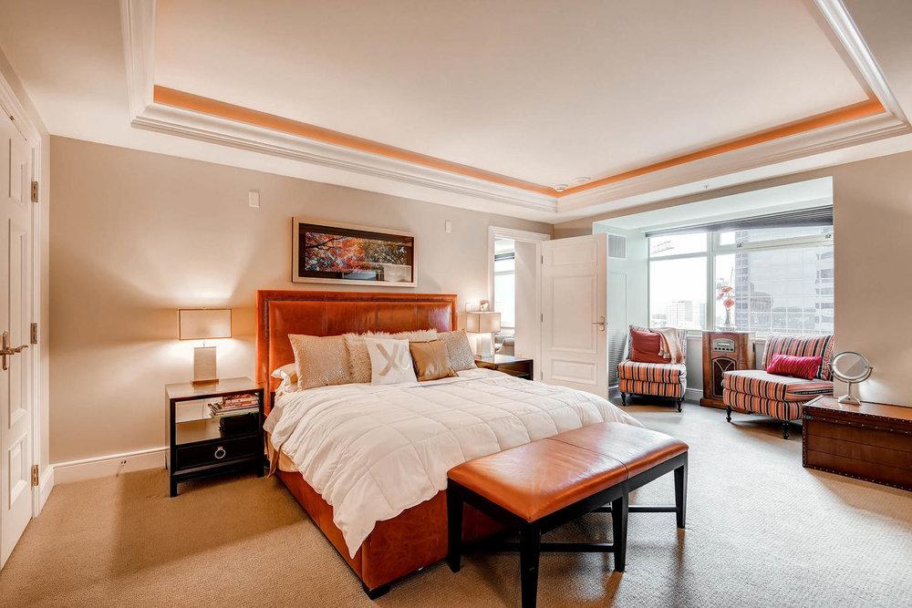 1891 Curtis Street 1707 Denver-large-015-15-Master Bedroom-1500x1000-72dpi.jpg