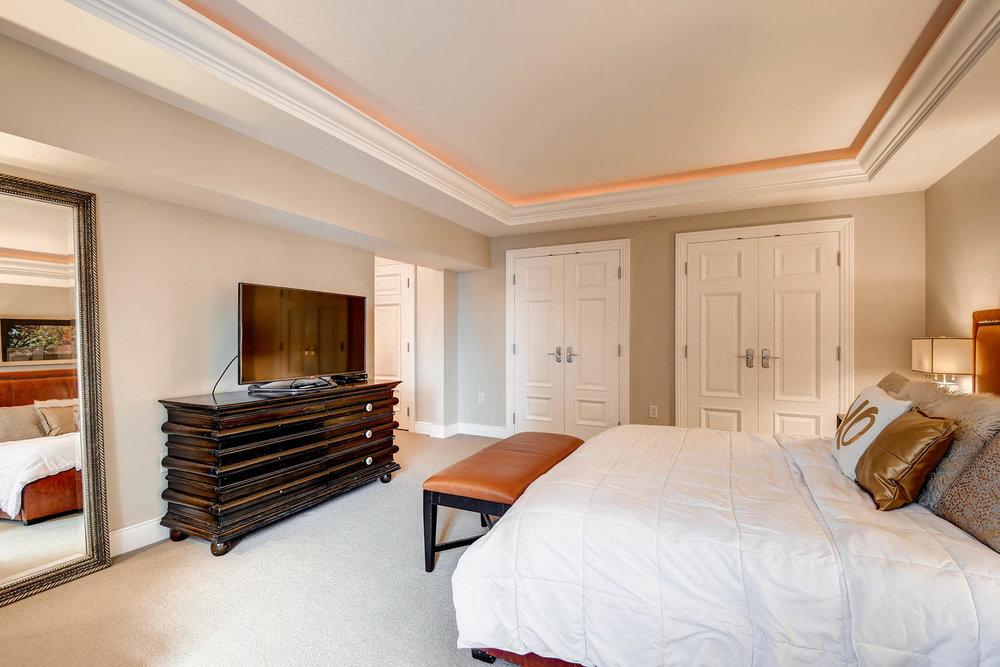 1891 Curtis Street 1707 Denver-large-016-27-Master Bedroom-1500x1000-72dpi.jpg