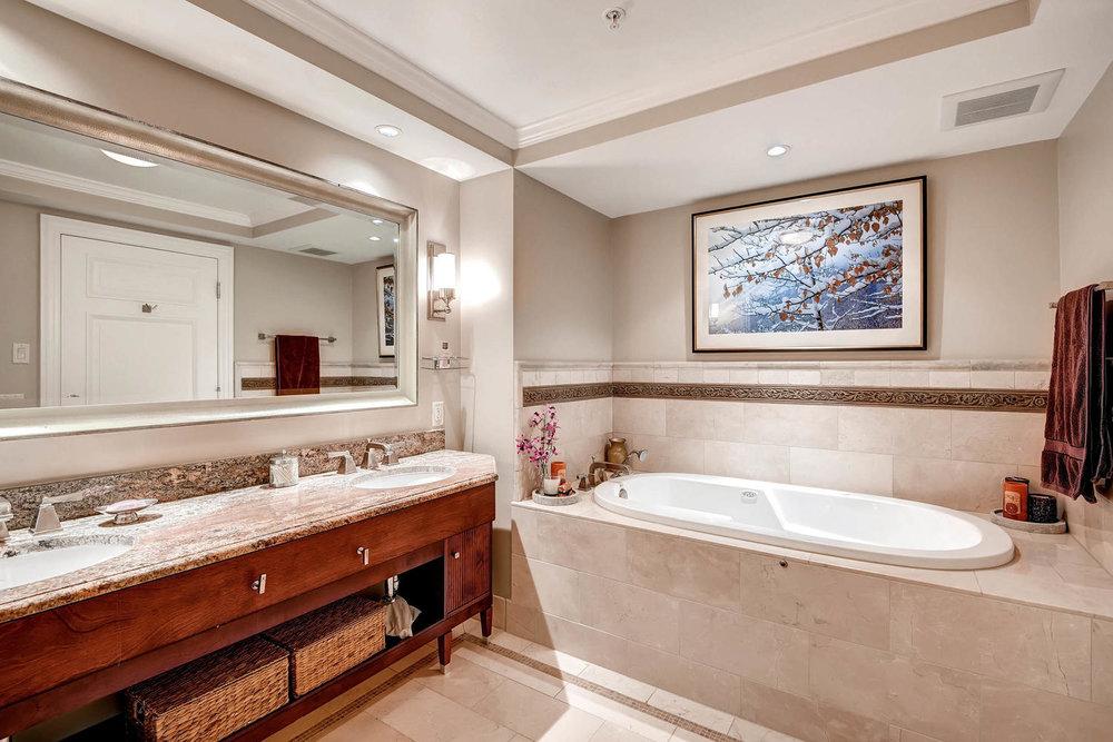 1891 Curtis Street 1707 Denver-large-017-16-Master Bathroom-1500x1000-72dpi.jpg
