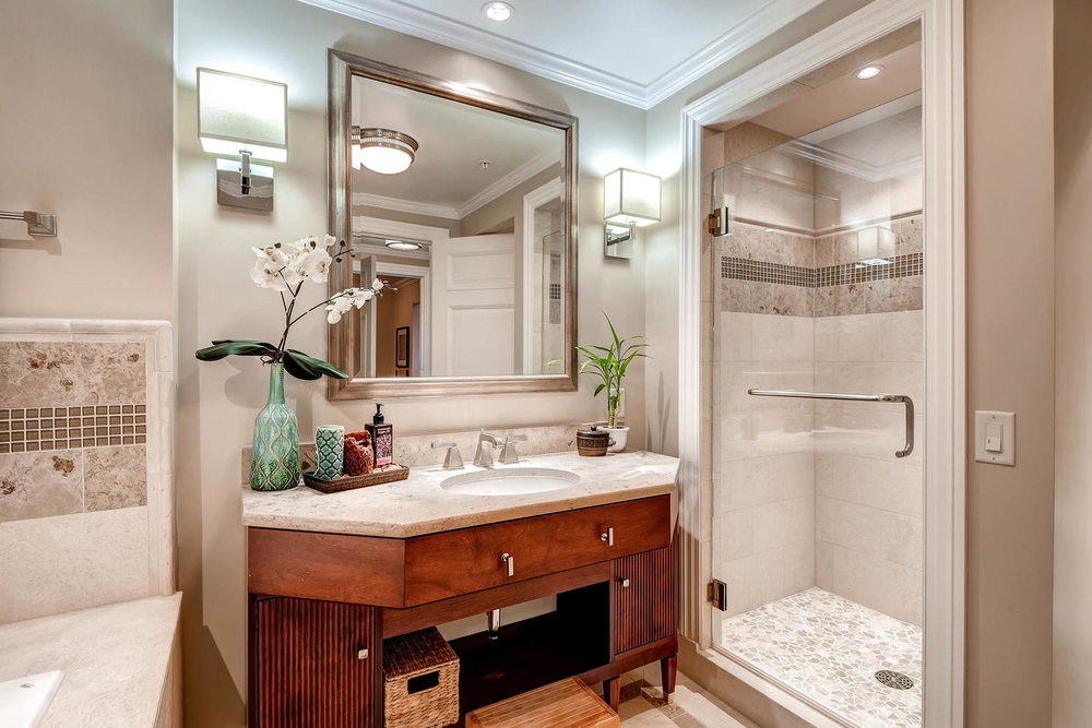 1891 Curtis Street 1707 Denver-large-021-25-Bathroom-1500x1000-72dpi.jpg