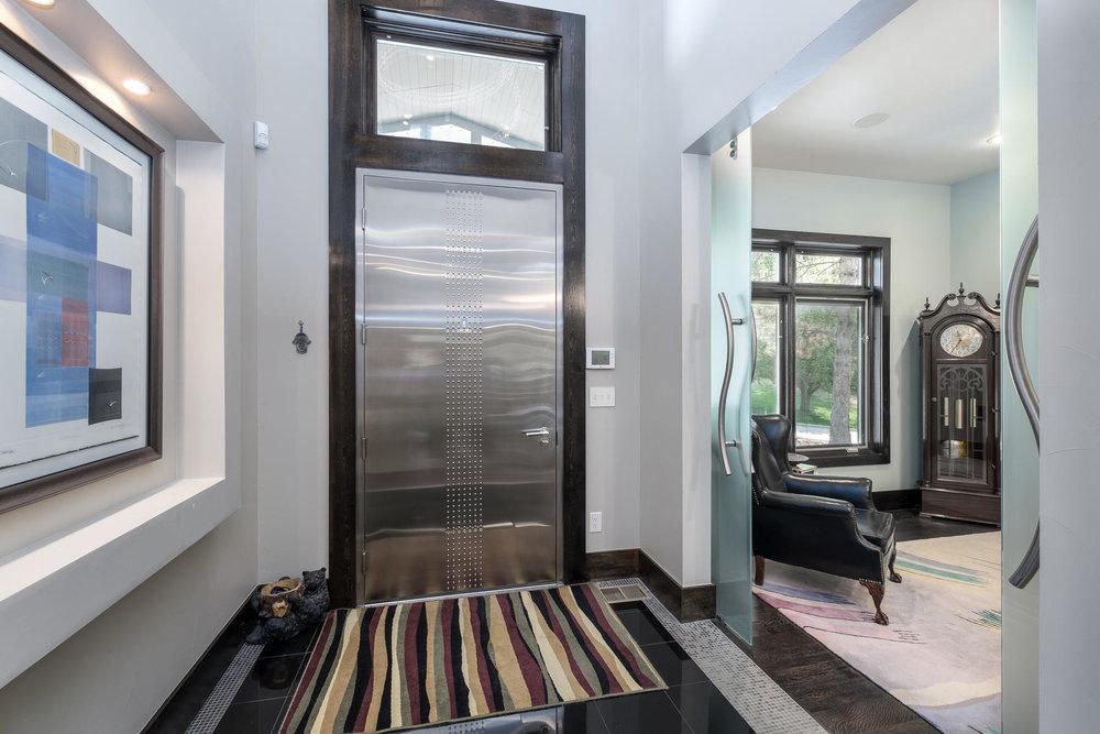 5425 Olive Street-MLS_Size-005-21-Entry-1800x1200-72dpi.jpg