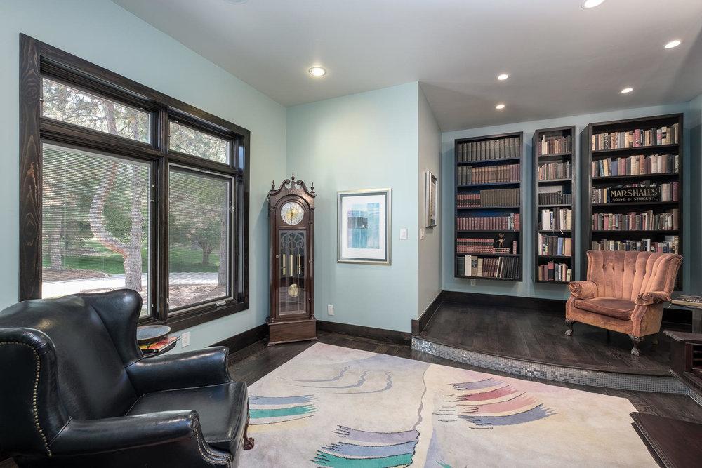 5425 Olive Street-MLS_Size-006-15-Living Room-1800x1200-72dpi.jpg
