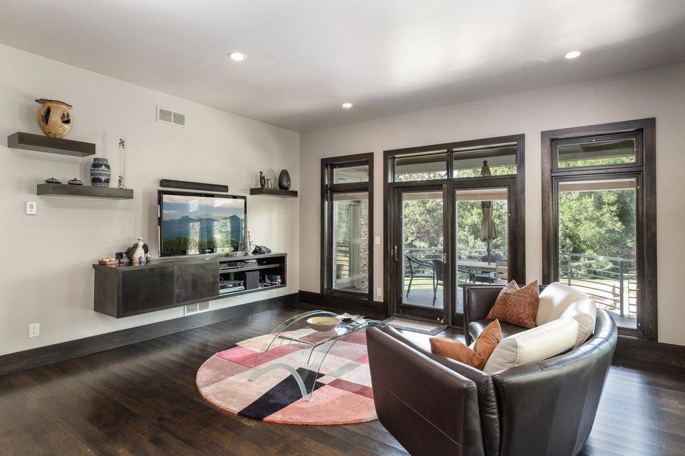 5425 Olive Street-MLS_Size-010-9-Great Room-1800x1200-72dpi.jpg