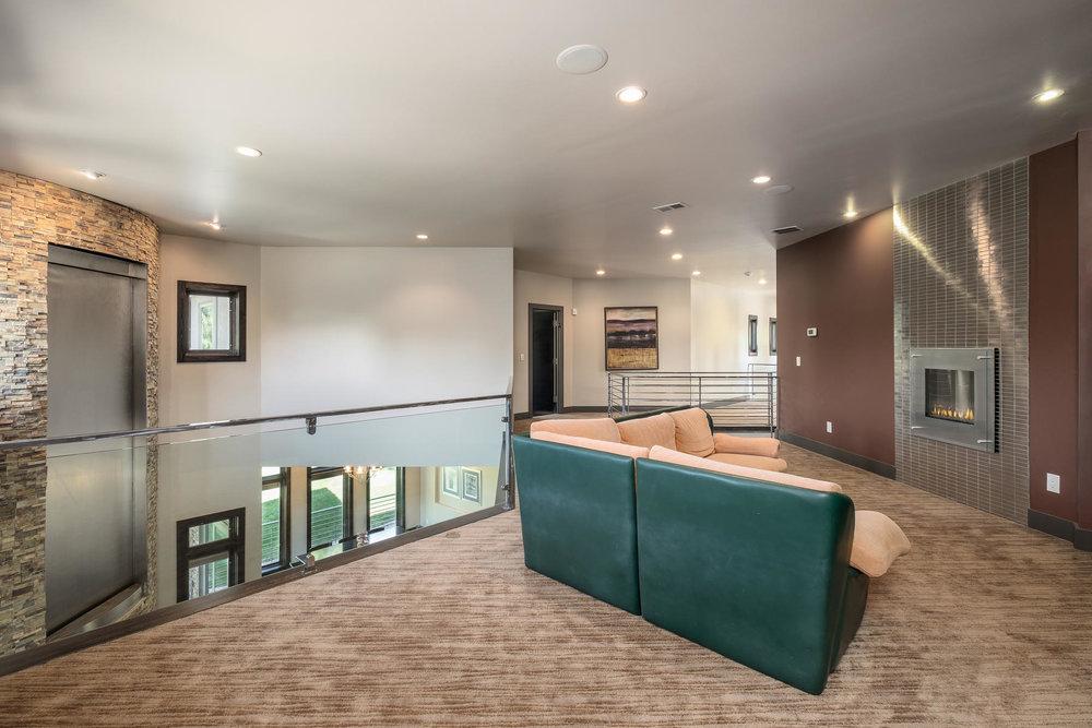 5425 Olive Street-MLS_Size-017-10-Loft-1800x1200-72dpi.jpg