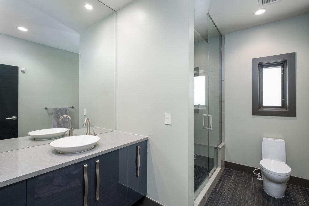 5425 Olive Street-MLS_Size-021-16-Bathroom-1800x1200-72dpi.jpg