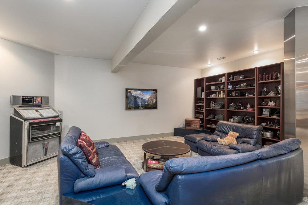5425 Olive Street-MLS_Size-028-8-Lower Level-1800x1200-72dpi.jpg