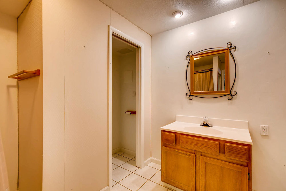 17768 W 59th Place Golden CO-large-022-20-Lower Level Bathroom-1500x1000-72dpi.jpg
