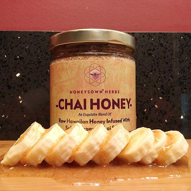 Our Chai Honey is unbelievably good! Steps to enjoy our Chai Honey:  Step 1. Open jar  Step 2. Drizzle honey on everything edible Step 3. Smile! • • • • • • #honeysownherbs #chai #chaihoney #foodie #latenightsnack #bananas #honey #sweettooth #healthysnack #enjoyyourlife #madeinhawaii #epicure #waitingonhandmaidstaleseason3