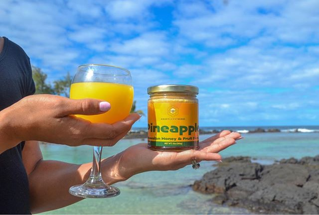 Keep your health kick going this year with delicious honey that you can add to smoothies, fresh pressed juices, or easy breakfast meals. Our fruit honey contains organic fruit and honey, nothing more. You don't have to compromise on flavor in 2019 - if your new year's resolution involves kicking bad eating habits find incredible substitutes for processed sweets on our website! Shop now and feel good about how you fuel your body!! • • • • • • #fruithoney #pineapple #sweet #madeinhawaii #healthy #rawhoney #honeysownherbs #apothecary #noartificialsweeteners #loveyourlife