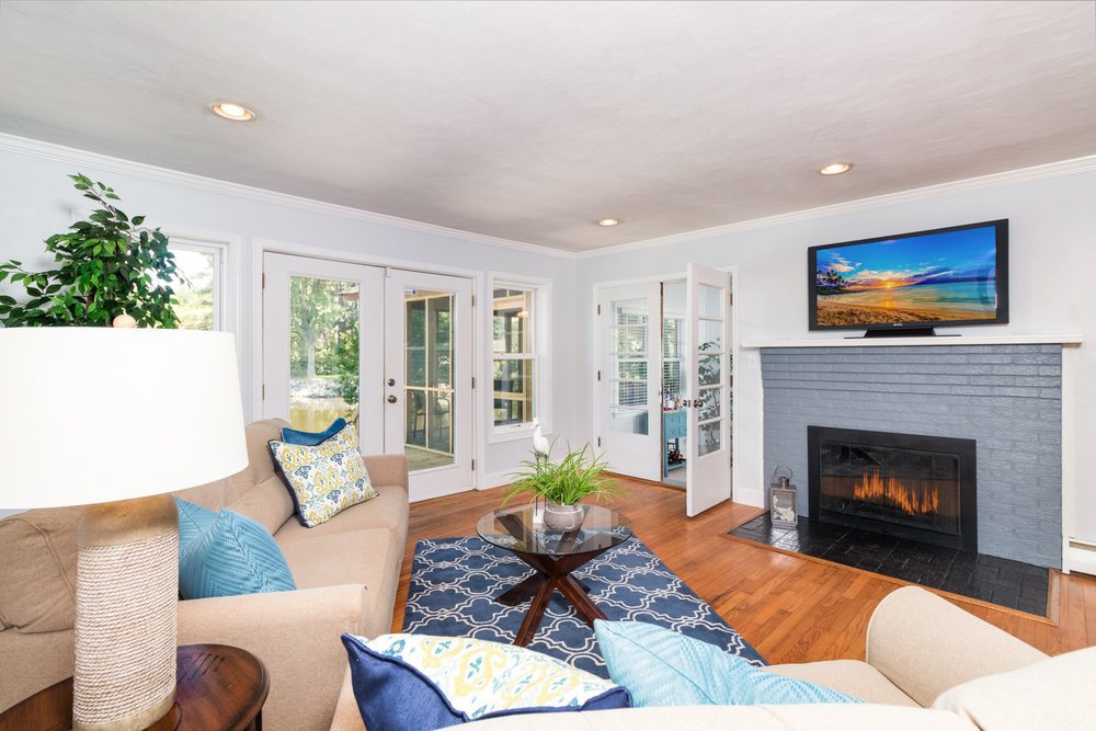 In the realm of real estate photography, a clear, colorful, compelling picture is worth thousands of dollars....