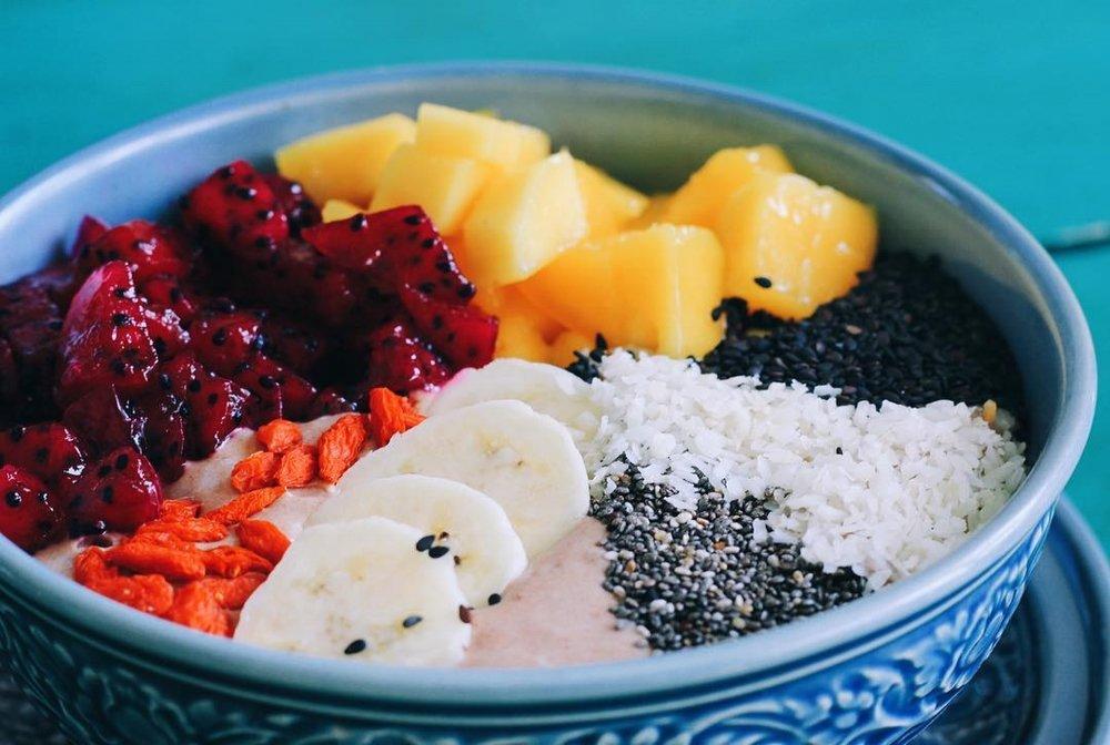vegan, chiang mai, breakfast, thailand, cacao, smoothie bowl, acai