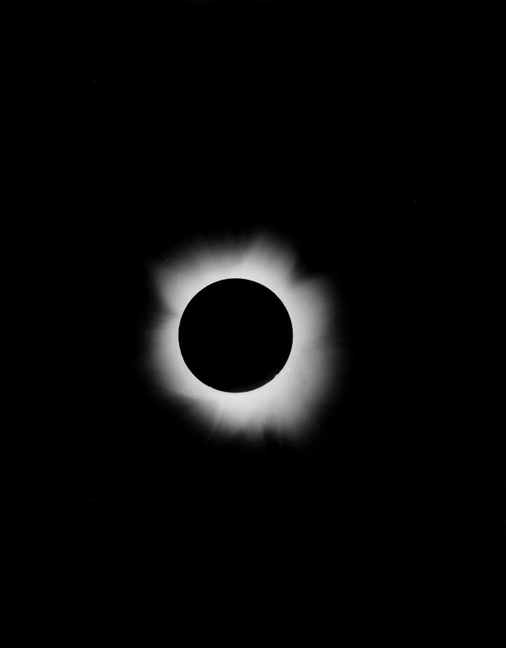 19th Century Eclipse moon; E00032
