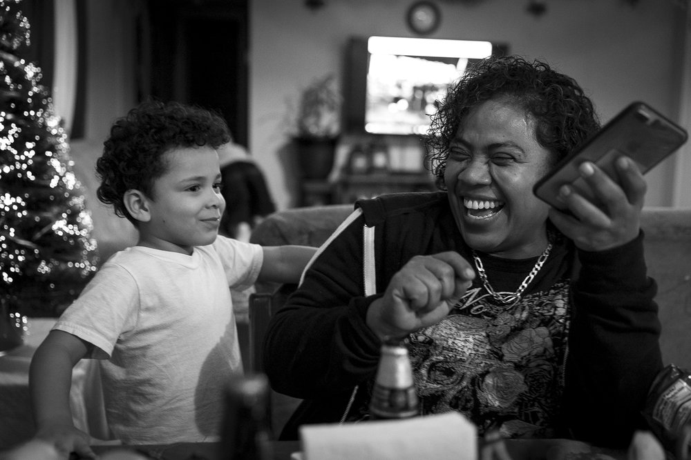 Minerva's sister, Felipa Cisnero Garcia (left), jokes around with Mateo on Dec. 1, 2017. Felipa, an electrician, is the only other family member that Minerva has in the United States.