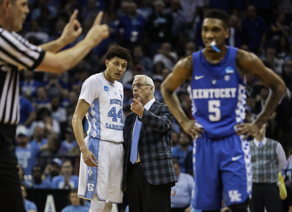 North Carolina head coach Roy Williams instructs Justin Jackson (44) during the NCAA Elite Eight game against Kentucky in Memphis, TN on March 26, 2017.