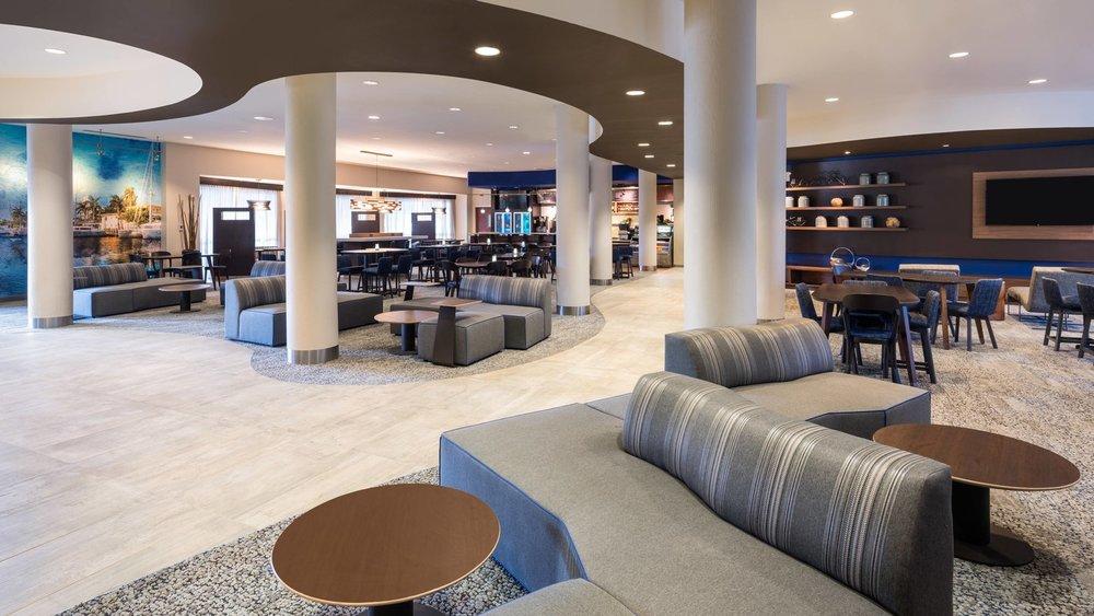 fllht-lobby-1301-hor-wide (1).jpg