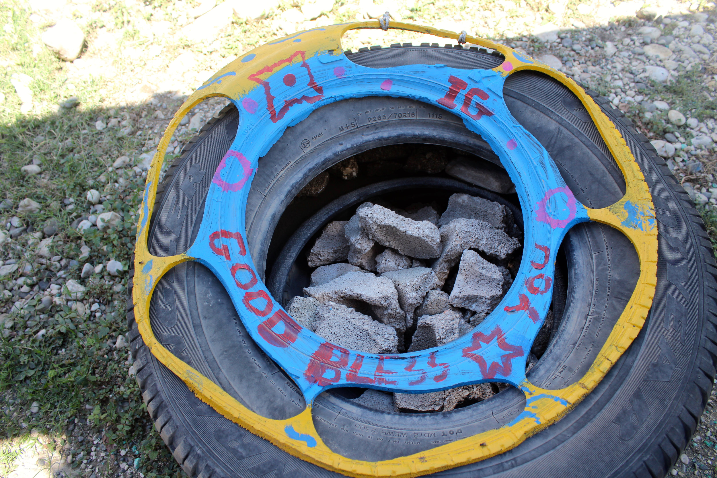 The sandal soles are cut from recycled tires using a machine with size attachments. Photo: A Bergamin