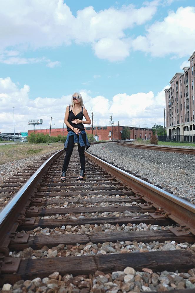tracks_03