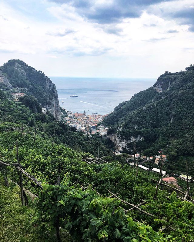 a million steps later, we found ourselves who knows where. started in amalfi, picked a direction and hiked until we found abandoned mills, waterfalls and complete isolation. #whenyoukillyourselftryingtoescapetouristseventhoughyouretourists