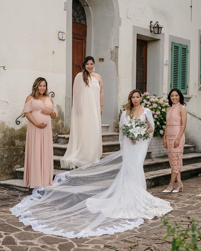 No bridesmaids. Just boss b*tches. I never have to ask anything of these women and without fail they're always there for me. Lucky is an understatement. 📸 @composurestudios @anthonytdinh