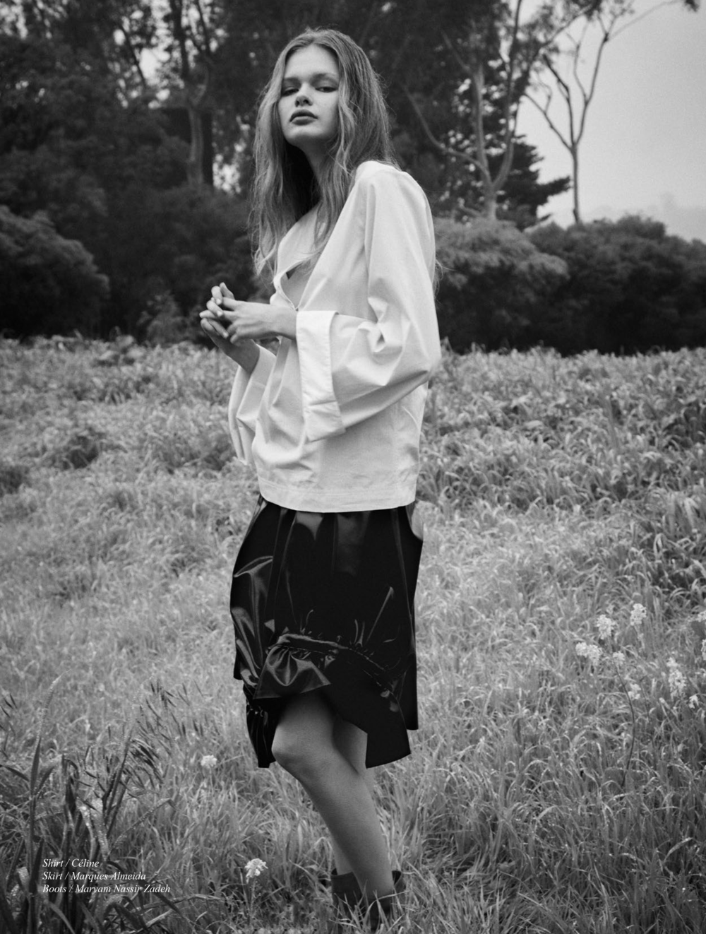 Schon_Magazine_yourloveisking-2.png