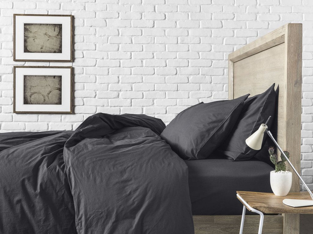 THE PARACHUTE PERCALE SHEETS ARE MADE IN PORTUGAL & ITALY BY ARTISANS WHO HAVE BEEN HANDCRAFTING BEDDING FOR OVER 80 YEARS.