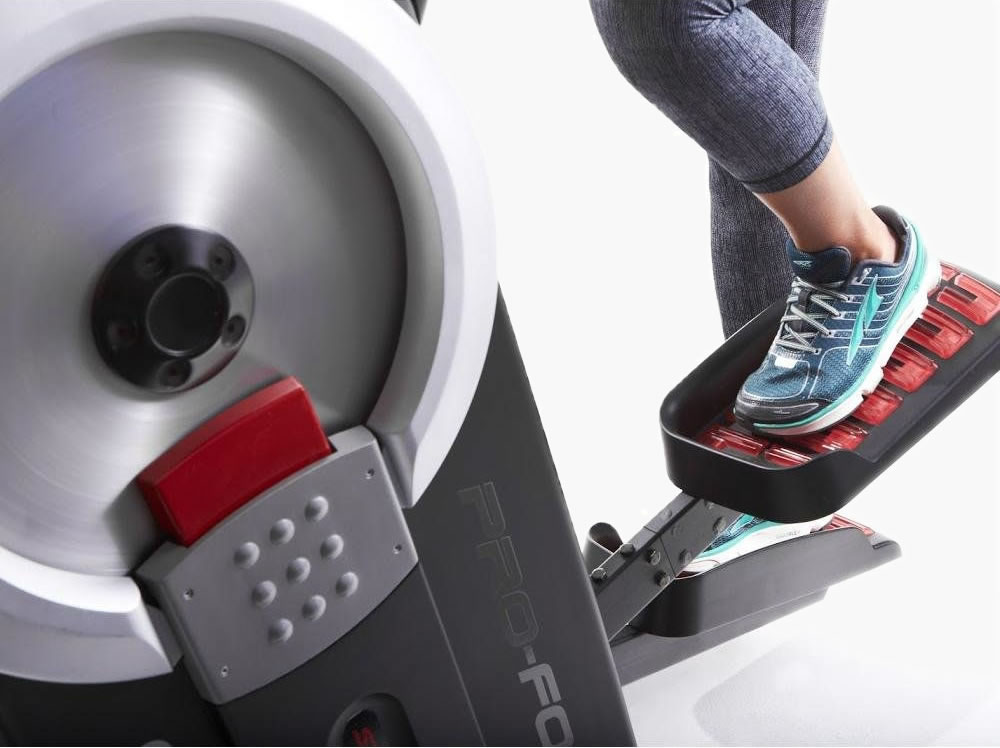 OVERSIZED REFLEX-CUSHIONED PEDALS  ENSURE COMFORT & FEET ARE ALWAYS IN CONTACT WITH THE  PROFORM HIIT TRAINER