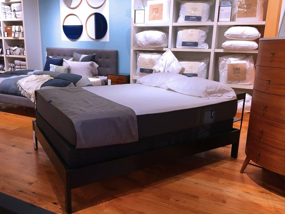 TEST THE CASPER MATTRESS & MATCHING FOUNDATION AT  SELECT CASPER STORES