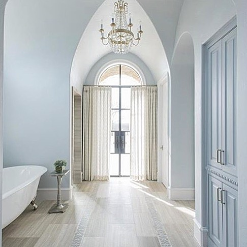 This might be the most beautiful Gothic arch we've ever seen...and in a bathroom!  @traciconnellinteriors you are a truly talented designer. We are awe of this space. 😍 . . . #masterbath #bathroom #masterbathroom #luxury #construction #newconstruction #home #architecture #newhome #tci #traciconnellinteriors #dallasdesigner #SoDomino #FinditStyleit #InteriorInspo #MyHouseBeautiful #ABMatHome #interiordesign #decoration #home #design #house #build #style #deco #dallas #interiors #showmeyourstyled #homegoals