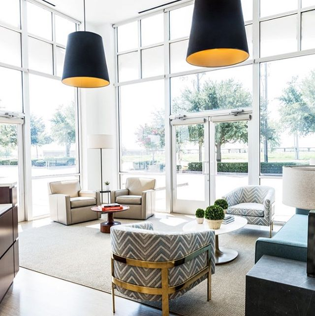 Loved being a part of making this stunning commercial space come to life for Ebby! Thanks to @yatesdesygn for sharing the beautiful pic! #commercialbuilding #dallas #ebbyhalliday #wowza