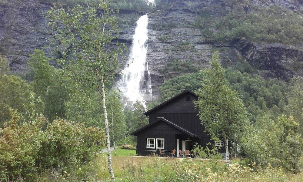 Vassbakken skjolden vandrerhjem sognefjorden1.jpg