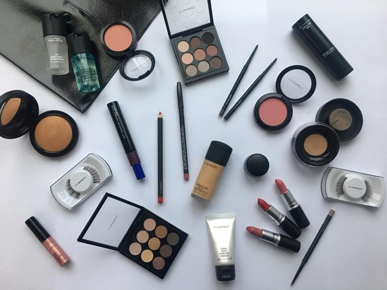 Every Miss Universe candidate will receive this kit from MAC Cosmetics.