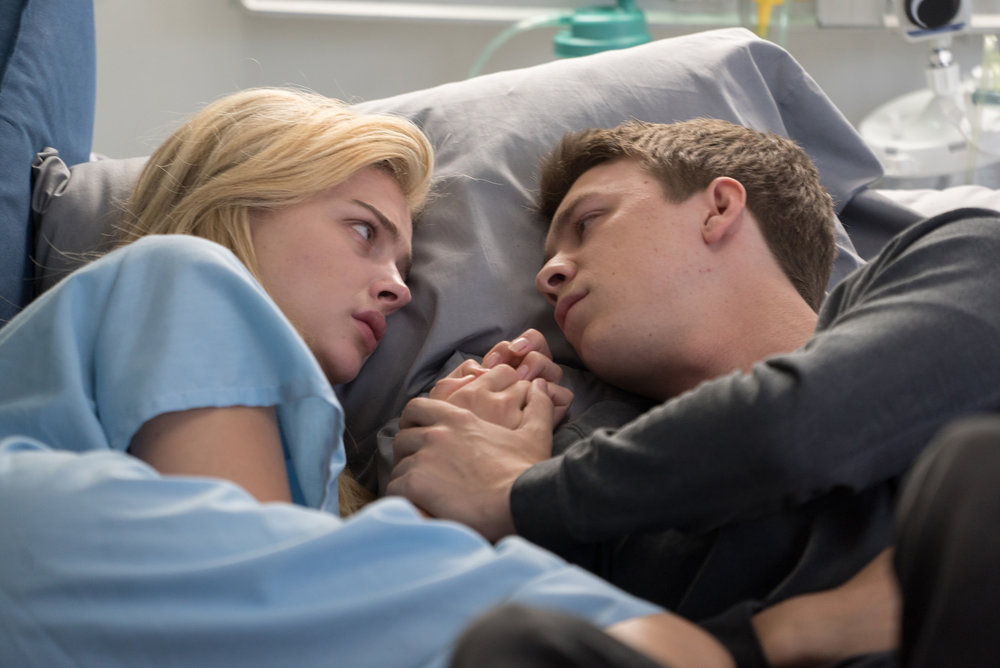 Chloe Grace Moretz and Thomas Mann in Brain on Fire, Pioneer Films