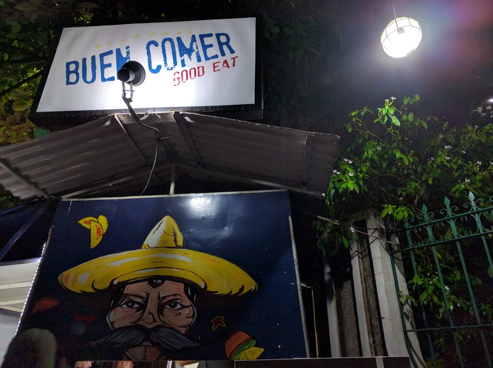 Buen Comer is not, at strictly speaking, a food truck because all the food is prepared in the house beside it.