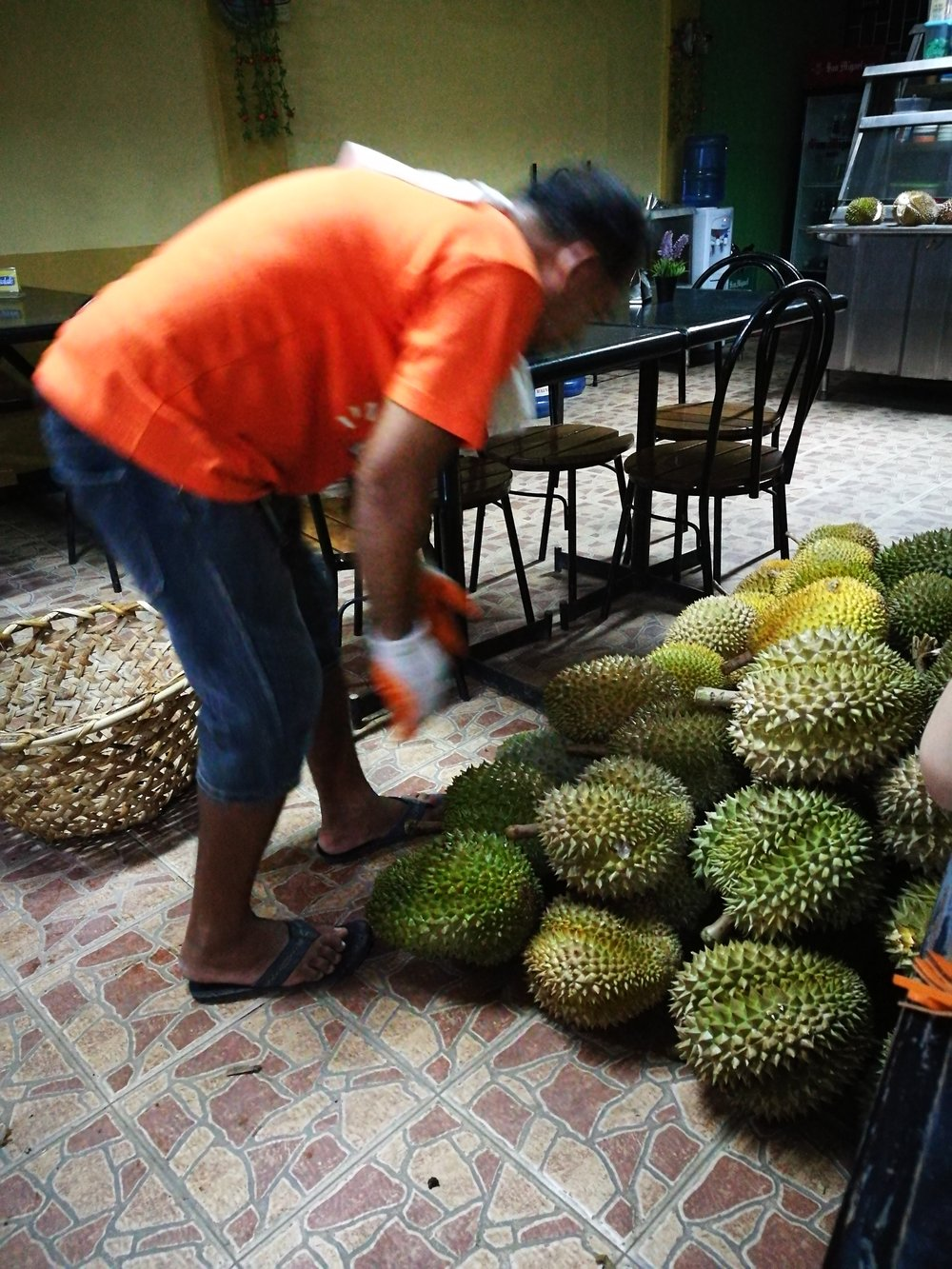 Skip the fruit vendors at Magsaysay road and follow your nose to independent durian sellers