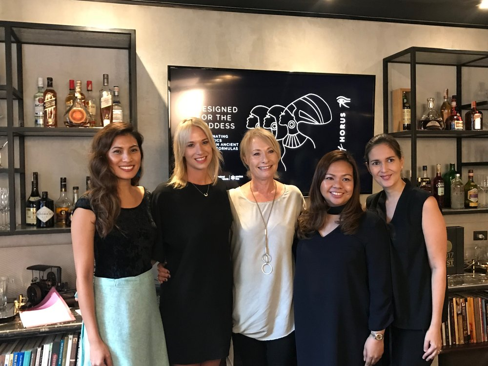 Glamourbox with the Eye of Horus Cosmetics founders (L-R:  Lia Ramos, Glamourbox CEO;Holly Spierings and Heather Spierings of Eye of Horus, Fe Olivia Mir, Glamourbox CMO, and Marie-Julie Ona Glamourbox CO.