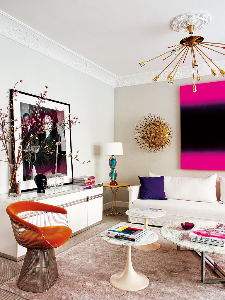 living-pink-madrid-apartment-02.jpg