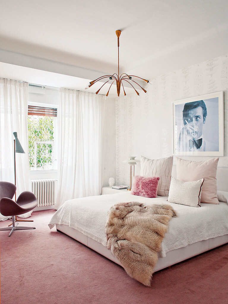 living-pink-madrid-apartment-07.jpg
