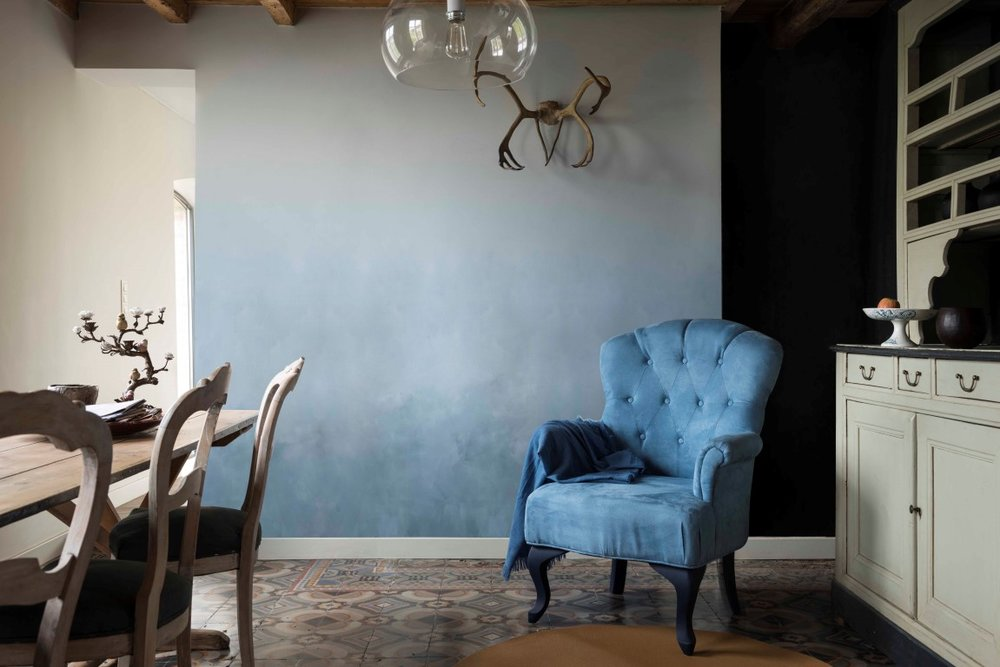 Dulux-Colour-Futures-17-COTY-Dining-Clock-Face-Borrowed-Blue-Earl-Blue-Denim-Drift-Indigo-Shade.jpg