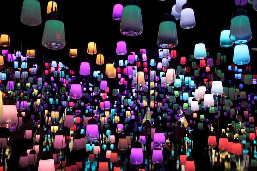teamlab-forest-of-resonating-lights-maison-et-objet-installation-paris-designboom-008.jpg