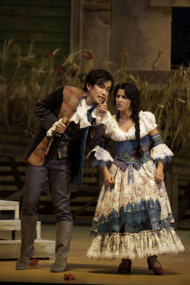 2009年11月意大利卡利亚里大剧院 多尼采第歌剧《爱的甘醇》.jpg