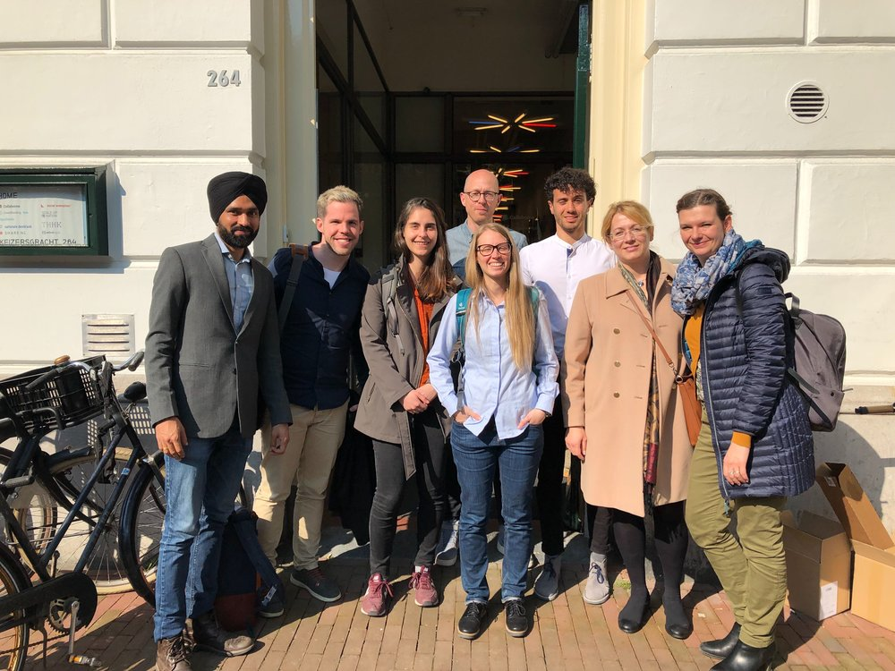 On the photo (left to right): Urban Sharing team: Jagdeep Singh, Steven Curtis, Ana María Arbeláez Vélez, Lucie Zvolska, Oksana Mont, Yuliya Voytenko Palgan and (the second row): Harmen van Sprang from ShareNL and Mattia Marini from Sharing Cities Alliance in front of their office.