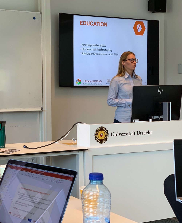 Lucie Zvolska is giving a presentation on institutionalisation of sharing at Utrecht University.