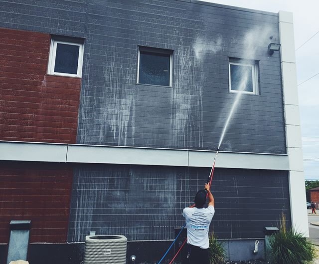 We gave @thejobshoppe a bath this weekend 💦💦 - Is your commercial space in need of pressure washing or soft washing? Contact us today.
