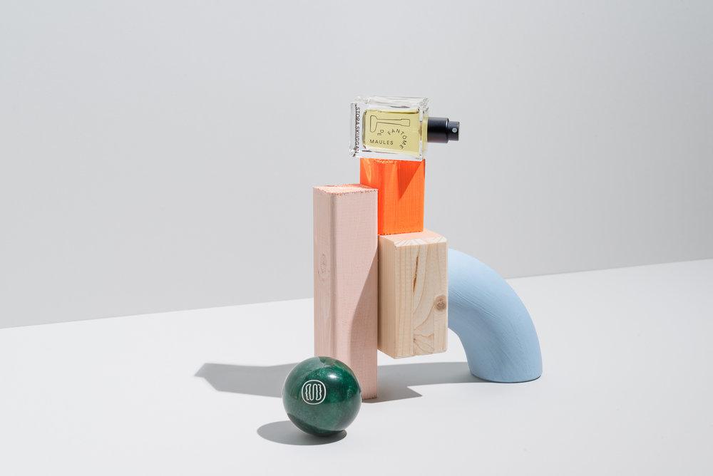 Independant Niche Perfumer Stora Skuggan's Maule de Phantome in a recennt campaign for Scentury.