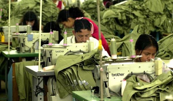 Wat Kille Cijfers over de Kledingindustrie - Wist jij dat... het maken van een spijkerbroek tot wel 10.000 liter (!!) water kost?