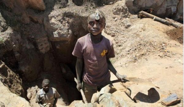 The 7-year olds that are mining our Cobalt - Ook de grondstoffen hebben een grootte impact. Ook hier is slavernij en kinderarbeid helaas nog geen verleden tijd.