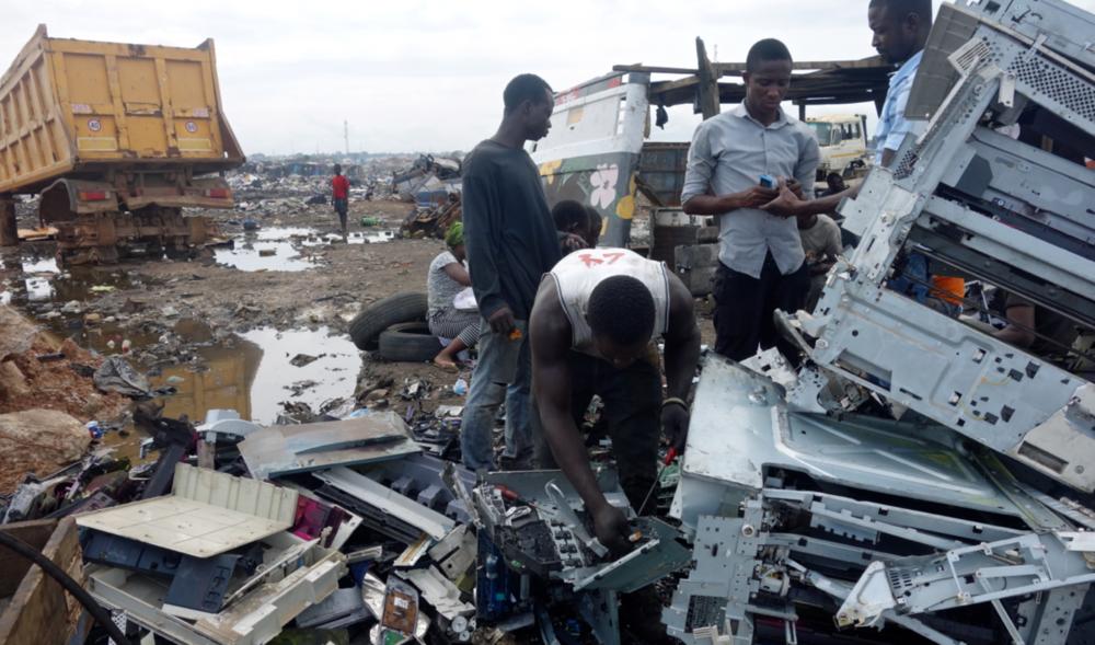 Weet jij waar onze e-waste naar toe gaat? - Grote kans dat het naar Agbobloshie gaat, de grootste elektronica afval stortplaats ter wereld.