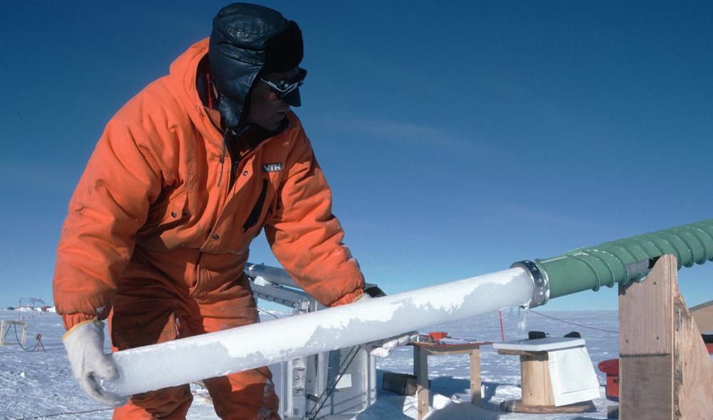 KLIMAATVERANDERING? - Rechecked: een meerderheid van 97% van wetenschappers stelt dat klimaatverandering door menselijk handelen komt.